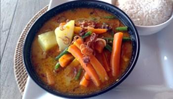 Vegetarian potato curry