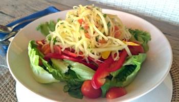 Vegetarian Thai young papaya salad
